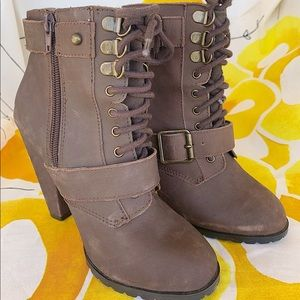 Steve Madden suede brown suede boots